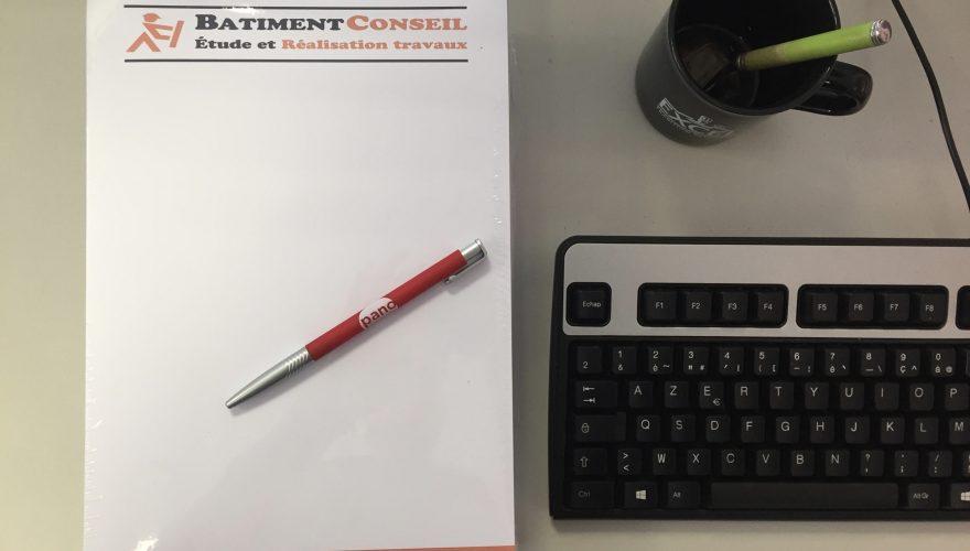 Papier en tête et stylo personnalisé